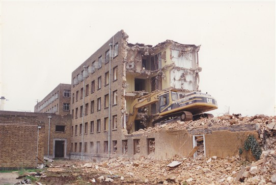 Photo:Nurses' Home Demolition