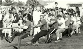 Photo:Anchor pub tug-of-war team - Great Wakering Fair