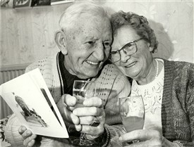 Photo:Diamond Wedding Anniversary - Albert and Violet Hicks of Hawkwell